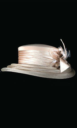 Vicky Mar Hat With Bow And Small Feather - Oyster Pink